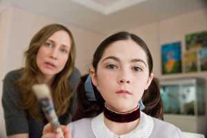 Vera Farmiga interpreta a la madre adoptiva de la niña siniestra